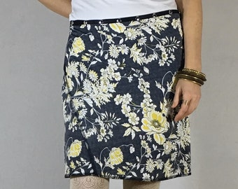 Snap Skirt Adjustable Wrap Skirt by Erin MacLeod Gray Flower travel skirt beach wrap summer skirt plus size