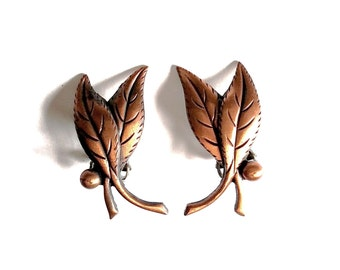 Copper Metal Leaf Clip On Earrings Leaves Autumn Fall Tree Nature Outdoor Harvest Motif Detail Miniature Natural Organic Crunchy Vintage