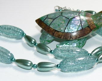 Crackled & Teardrop Pearl Spring Fresh Green Beaded Handmade Necklace with Sterling Silver Flower Toggle