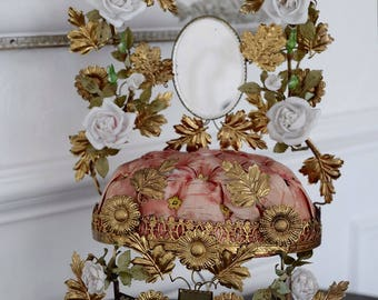 Antique French Napoleon III era Globe de Marieé with white flowers Wedding dome