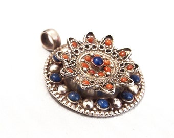 Antique poison pendant in silver 925 certi with coral and lapis lazuli stones