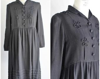 Vintage 1910s 1920s Black Wool Dress / 20s Day Dress / LBD Little Black Dress / Flapper Dress / Roaring Twenties / Soutache