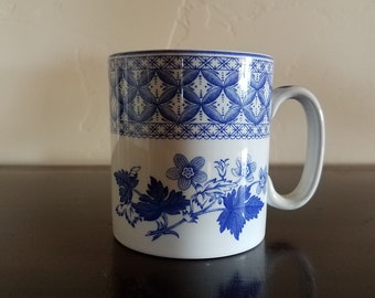 Spode Mug From the Blue Room Collection - Geranium