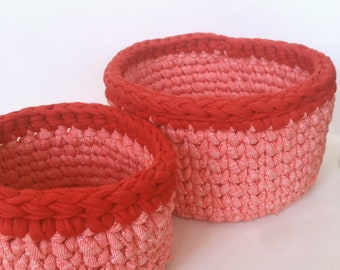 Set of 2 crochet baskets Storage bin crochet Home decor gift for her Hallway storage basket fabric red New house gift round basket handmade