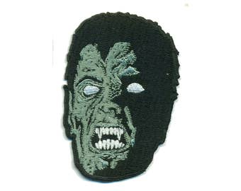 VAMPIRE Iron-On Patch Dr. Dracula Wolf Man Monster Horror Punk Rock Spook Show Freak VooDoo Shrunken Head Demon Hipster Creature Goth Gothic
