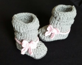 Crochet baby boots, baby slouch boots, Baby girl boots, Baby girl shoes, Tall baby boots, Baby winter boots, Baby shower gift, Photo prop