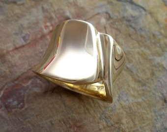 Sculpted Gold Ring