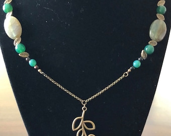 """22"""" Antique brass necklace with agate gemstones"""
