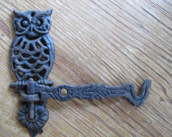 OWL HOOK Vintage cast iron swivel Wallhanging, metal retro black