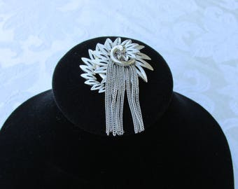 Silver Brooch Round With a Chain in the middle