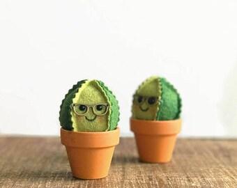 Nerdy Felt Cactus / faux garden / faux succulent / felt plant / wedding favor / home decor / pin cushion