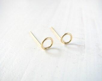 Circle stud earrings, gold post earrings, small post earrings, Gold stud earrings, 14k gold filled earrings, everyday earrings