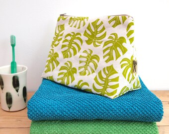 Wash Bag Cheese Plant Print