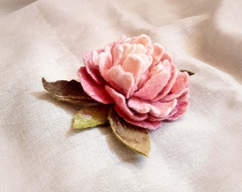 Peony, peony brooch felted pink White