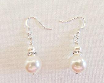 Cream pearl earrings, Cream Swarovski pearl earrings, Bridal pearl earrings, Prom pearl earrings, Bridesmaid pearl earrings, UK seller