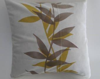 Cushion cover 40 x 40 cm. leaf motifs