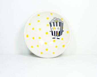 small dish, with a happy popcorn shown here on yellow polkadots, made to order / pick your colour