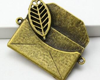 2Pcs Antique Brass envelope Charm envelope Pendant envelope connector 31x30mm (PND302)