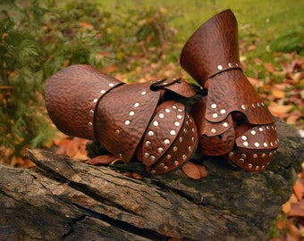 Leather Clamshell Gauntlets