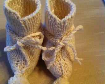 Bootie baby shoe-shaped ends with a tassel