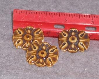 Ceramic shank buttons - Flower shank Button - Caramel brown button -Porcelain shank button - sewing Supplies - handmade Floral buttons