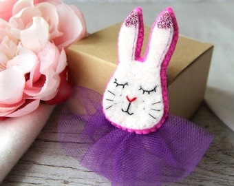Cute Bunny Pin   Bunny Brooch   White Bunny Brooch   Bunny Rabbit Brooch   Felt Buuny   Lovely Bunny   Small Felt Animals   Bunny Badge