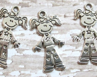 10 pewter Girl charms (CM80)