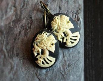 Skeleton cameo earrings, Halloween earrings, day of the dead, Halloween jewelry, sugar skull earrings, cameo jewelry, unique gift ideas