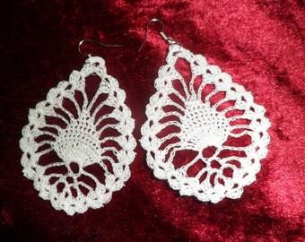 drop earrings with crochet pattern