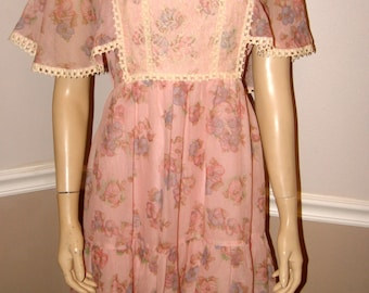 Pretty floral pink 70's dress Small/Medium /Flutter Romantic Sleeves