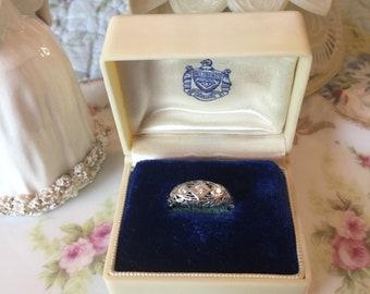 Vintage Helzberg's Ring Presentation Box - Shabby Chic/Art Deco/ Victorian