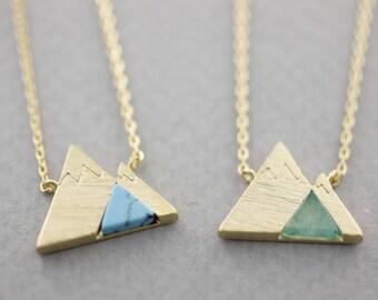 MOUNTAIN Pendant Necklace with Gemstone (Black Howlite,White Howlite,Lapis Lazuli,Chrysoprase)