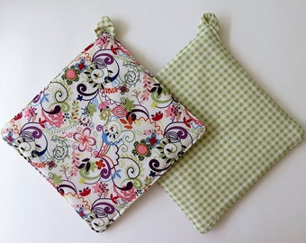 Pair of Reversible Potholders: Colorful Paisley with Green Gingham