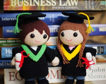 Graduation Dolls Amigurumi Crochet Pattern