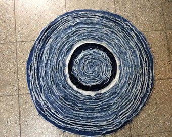Round re-cycled jeans rag rug