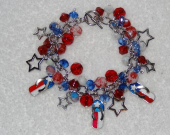 July 4th Flip Flop Charm Bracelet: Chunky Cluster Flip Flop Bracelet with Red, White and Blue Glass Beads and Star Charms