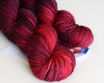 Melisandre - Game of Thrones Yarn - Hand Dyed Yarn - Sock Yarn - Dark Red and Bright Red - Variegated