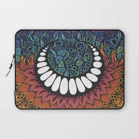Zentangle - When the Sun meet the Moon Laptop Sleeve