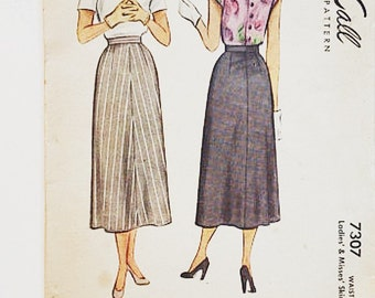 40s Skirt Pattern | McCalls 7307 Ladies & Misses Skirt Pattern | 40s Sewing Pattern