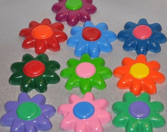 Recycled Crayons Flower Shaped - Total of 20.  Boy or Girl Kids Unique Party Favors, Crayons.