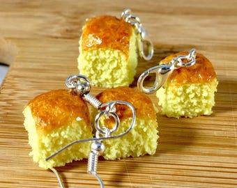 Kings hawaiian rolls food charm jewelry