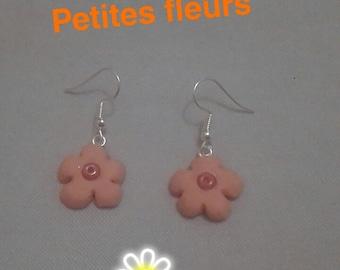 Earrings in polymer clay flowers