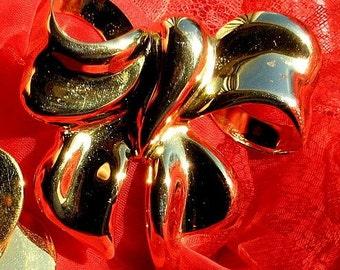 Vintage Brooch 5.00! SaLe Hat Scarf Bag Pin Glam Bow Marilyn Statement Hollywood Runway Gold Bold Modernist Retro Clip Mad Men Brutalist