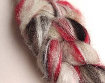 Naturally dyed art braid/ art batt/ set of rolags 'Love - Somewhere in there' wool and silk roving (Phatfiber)
