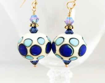 Verre de Murano bleu boucles d'oreilles - Boucles d'oreilles - Boucles d'oreilles blanc bleu - bleu à pois boucles d'oreilles pois - bleu boucles d'oreilles - Boucles d'oreilles en verre bleu