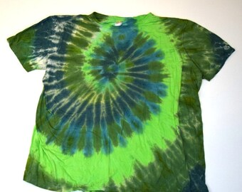 Green Theme ~ Spiral Tie Dye T-Shirt  (ONNO 70/30 Organic Bamboo/Cotton Size 3XL) (One of a Kind)