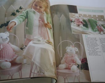 CROCHET Pattern BOOK, White Crochet by Better Homes and Gardens, HARDCOVER, table linens, toys afghans, bedspreads