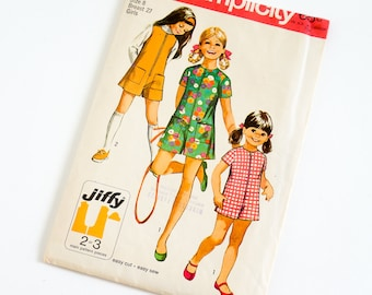 Vintage 1960s Girls Size 8 Pantdress or Pantjumper Simplicity Sewing Pattern 8814 Complete / chest 27 waist 23.5