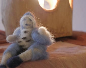 fire follette figurine wolle felted wool waldorf inspired doll