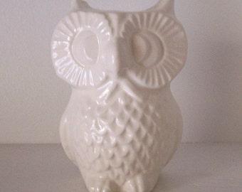 Owl Vase, Pencil holder, Bud Vase, White Office Decor, Ceramic, Office Gift, Vintage Design, Ceramic Owl, Owl Tooth brush holder, Owl Theme